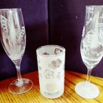 コップやワイングラスに模様を彫るサンドブラスト体験