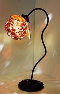 ステンドグラスランプ。ザクロをイメージして作った作品