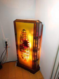 ステンドグラス教室、講師のステンドグラスランプ古都のイメージ置き式ランプ式ランプ