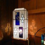 ステンドグラスランプ。和モダンをテーマにキセ硝子をサン土ブラストで表現