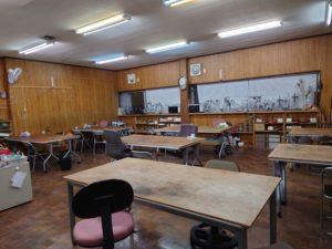 ステンドグラス教室の風景