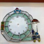 ステンドグラスで作る電車の時計