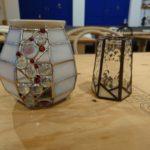ステンドグラスで作宇アロマポットと花瓶