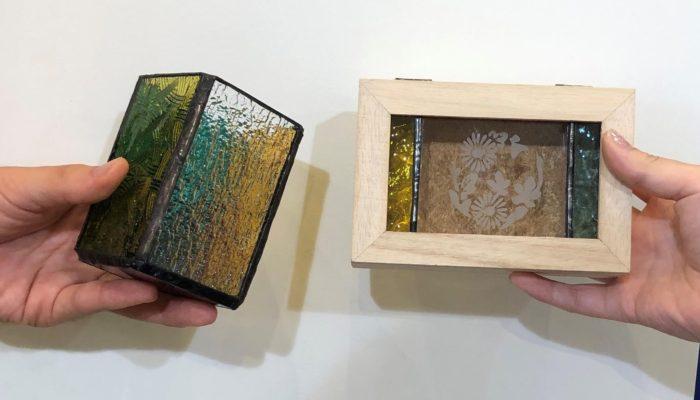 ステンドグラス体験で小箱とペン立て制作