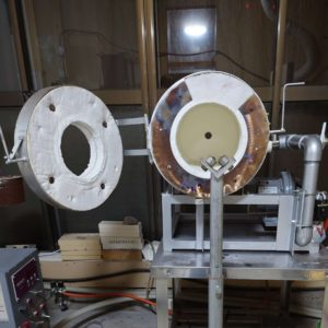 吹きガラス用のガラス形成用の焼成炉開口中