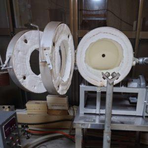 吹きガラス用のガラス形成用の焼成炉開大