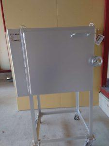 吹きガラスの完成品の歪をとるための徐冷炉